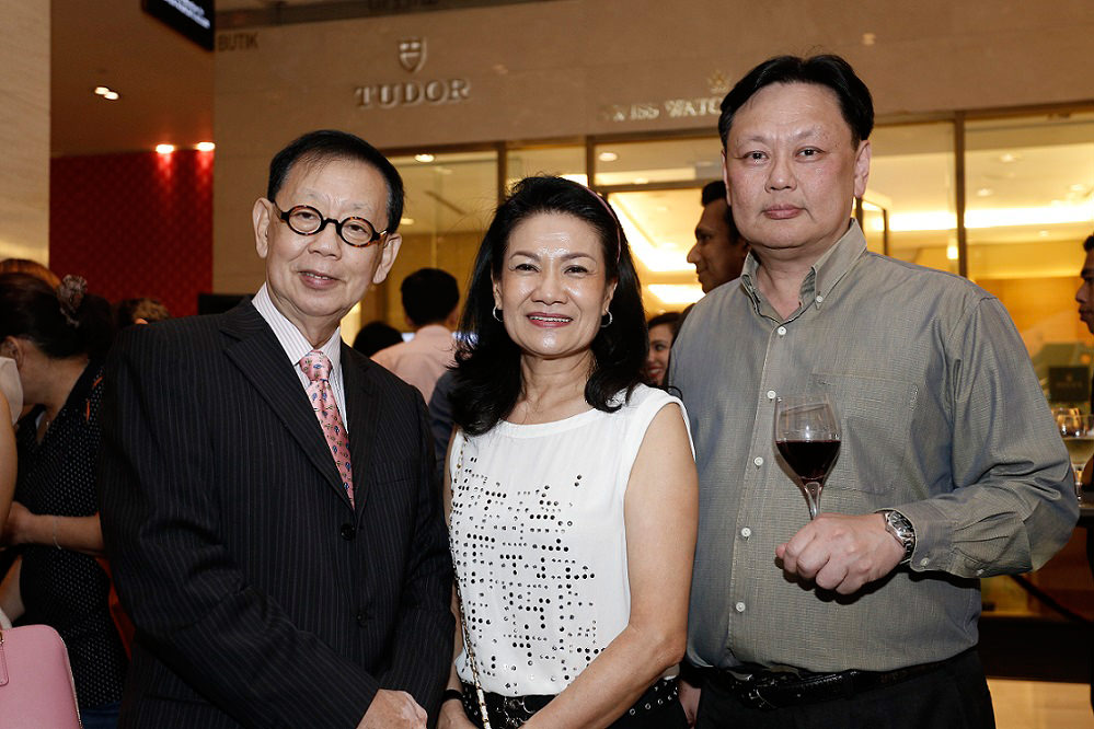 From L - R  Michael Oh, Michelle Oh, Dr Y. C. Lim