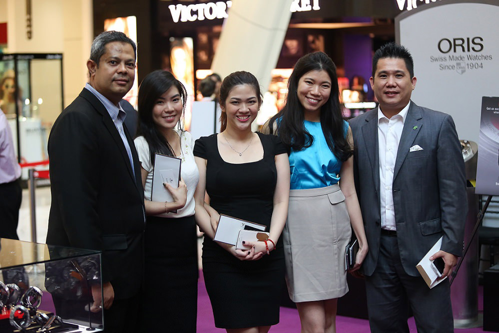 (L-R) Mr. Mohd Ferdaus, Ms. Emily Ng, Ms. Lim Hui Yen, Ms. Low Pek Yin, Mr. Kevin Cheah_02