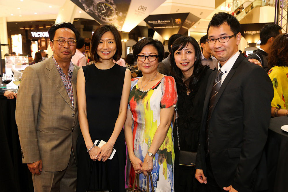 (L-R) Mr. Stephen Ho, Ms. Khor Tze Ming, Ms. Patty Ho, Ms. Lim Jessie, Mr. Tsui Wilson_01