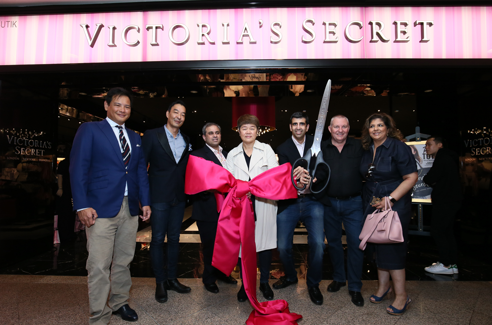 3a21c5b8e51 Malaysia s First Victoria s Secret Lingerie Store opened in Mid Valley  Megamall